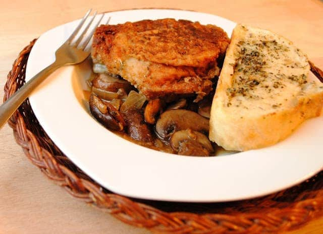 Caramelized Mushroom and Chicken with Buttery Herb Bread