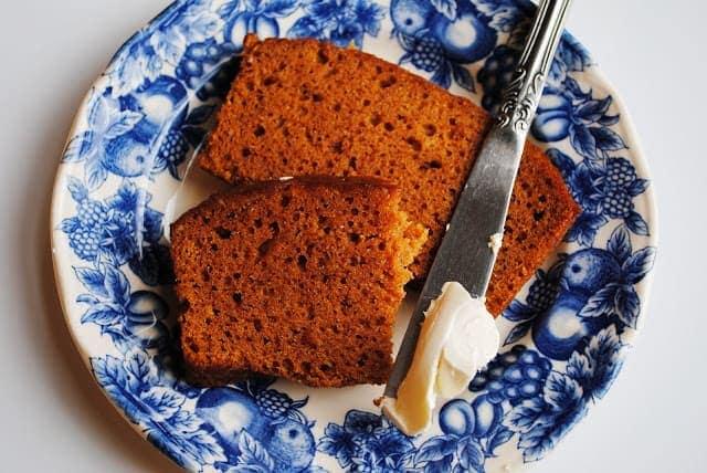 Easy Pumpkin Bread {One Bowl Recipe}