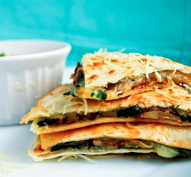 Spinach and Mushroom Quesadilla with Cilantro Lime Dipping Sauce | Neighborfoodblog.com