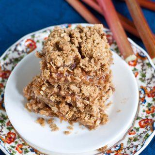 Recipe Remix: Oatmeal Rhubarb Crumble Bars