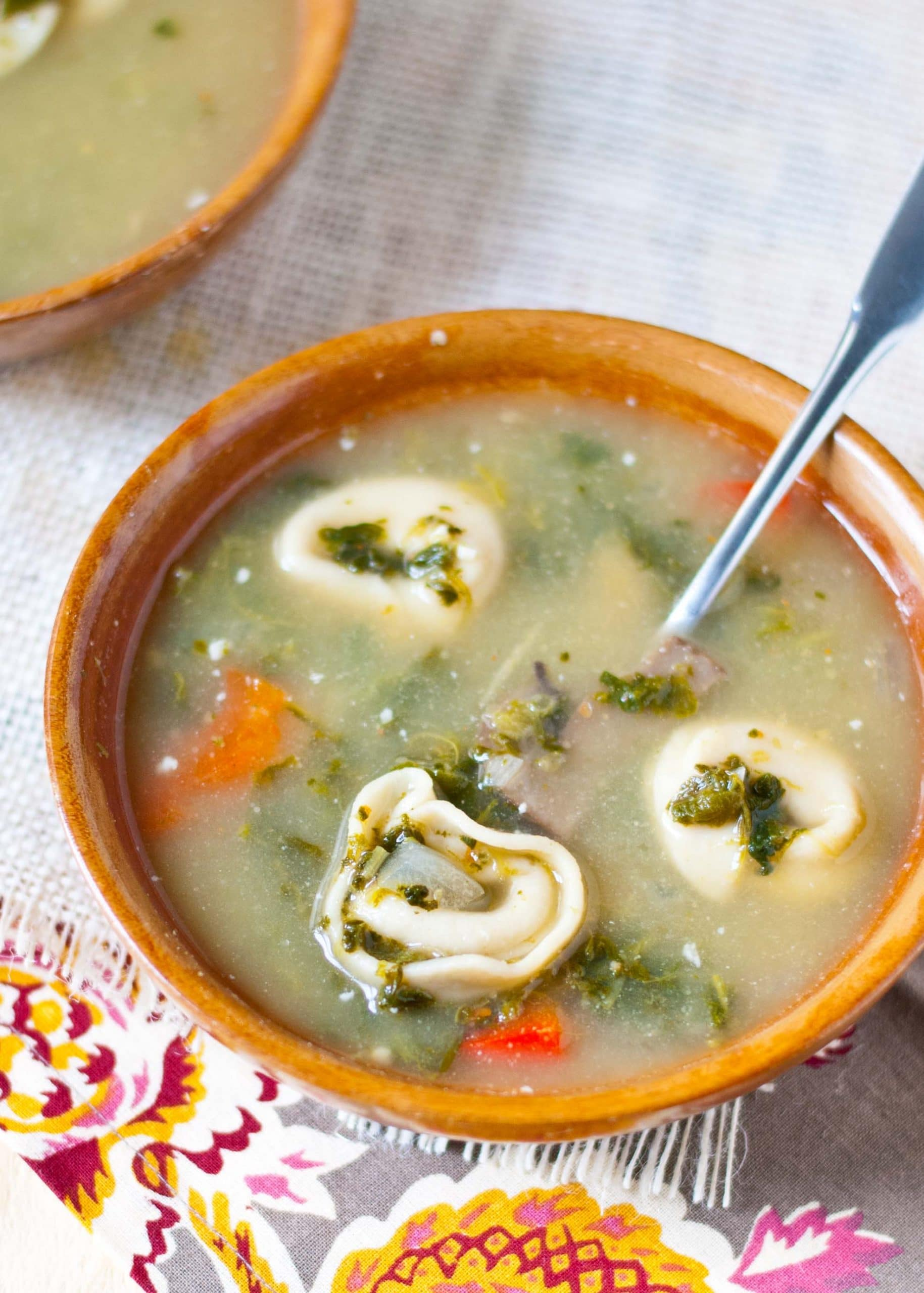 One Pot Spinach and Mushroom Tortellini Soup | Neighborfoodblog.com