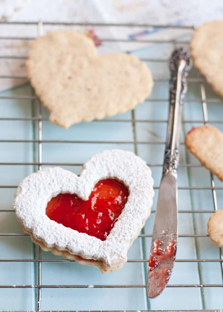 Strawberry Lemonade Linzer Cookies | Neighborfoodblog.com