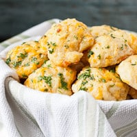 cheddar-bay-biscuits-thumb