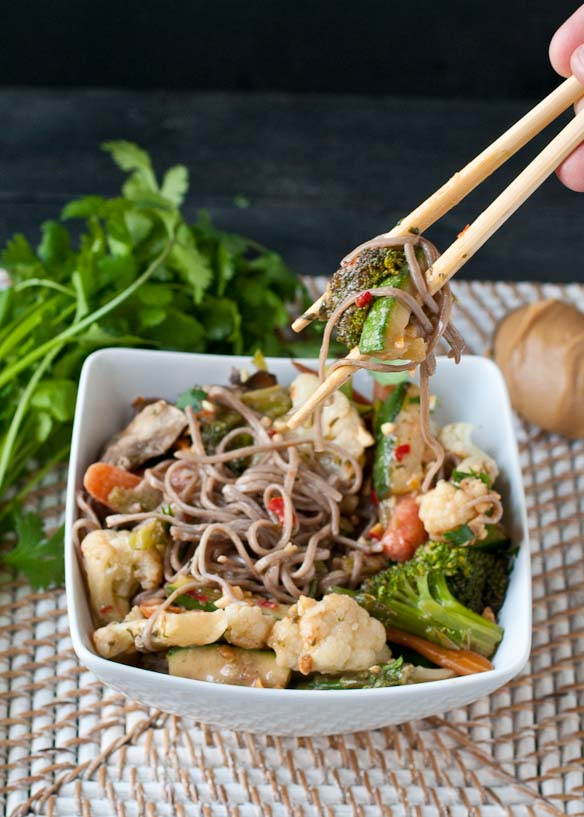 Vegetarian Udon Noodle Bowl with Spicy Peanut Sauce | Neighborfoodblog.com