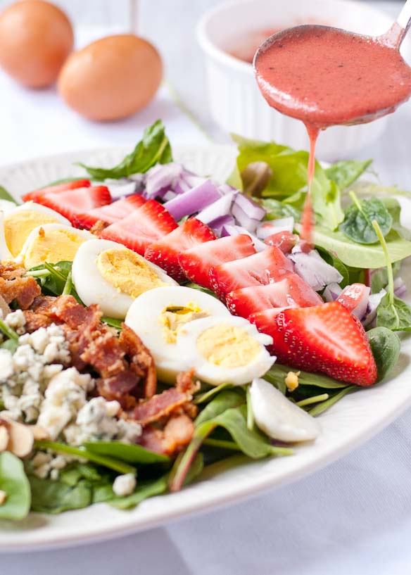 Strawberry Cobb Salad with Strawberry Bacon Vinaigrette | Neighborfoodblog.com
