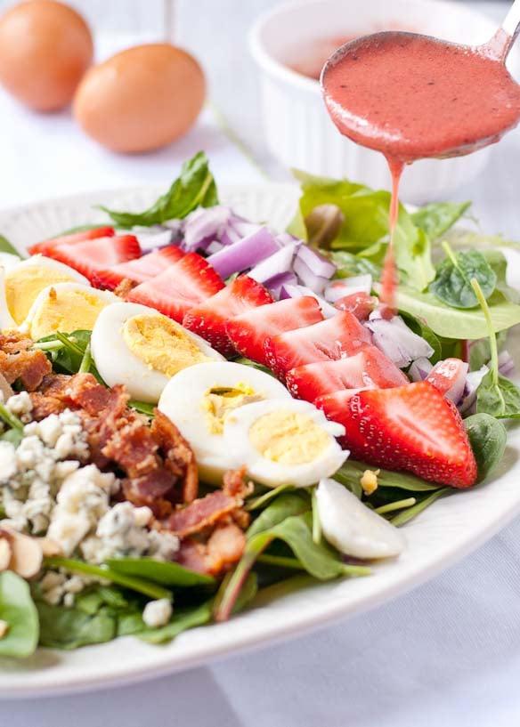 Strawberry Cobb Salad with Strawberry Bacon Vinaigrette | Neighborfoodblog.com