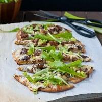 sausage-mushroom-arugula-naan-pizza-thumb