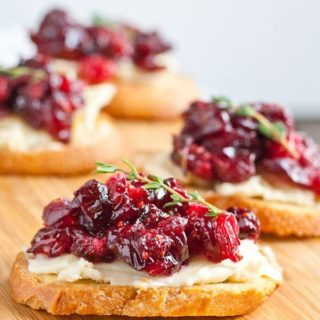 Roasted Balsamic Cranberry and Brie Crostini (V)