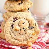 gluten-free-white-chocolate-macadamia-nut-cookies-thumb