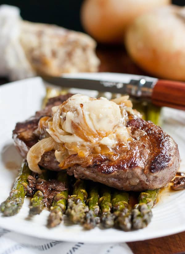 Seared Filet Mignon With Caramelized Onion And Blue Cheese