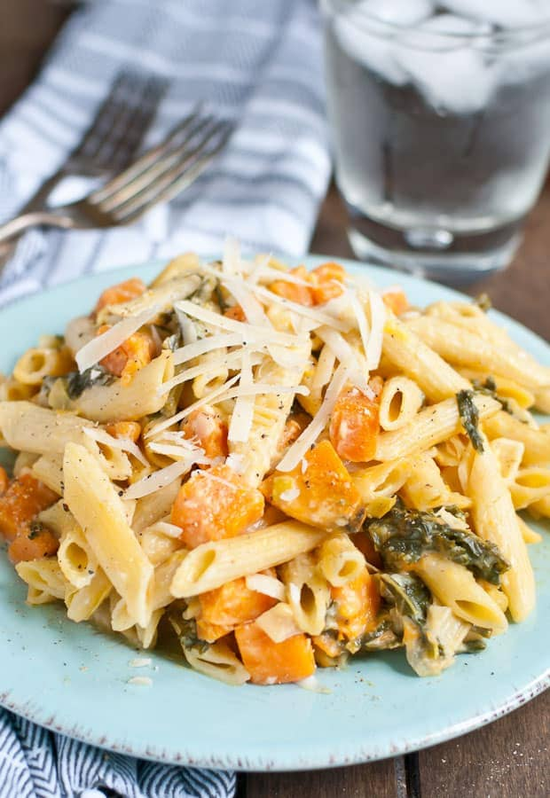 This Creamy One Pot Sweet Potato, Kale, and Leek Pasta is made in less than 30 minutes.