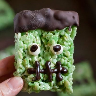 Easy Frankenstein Rice Krispy Treats are the perfect recipe for Halloween!