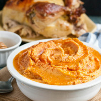 These Honey Chipotle Mashed Sweet Potatoes are the perfect Thanksgiving side dish.