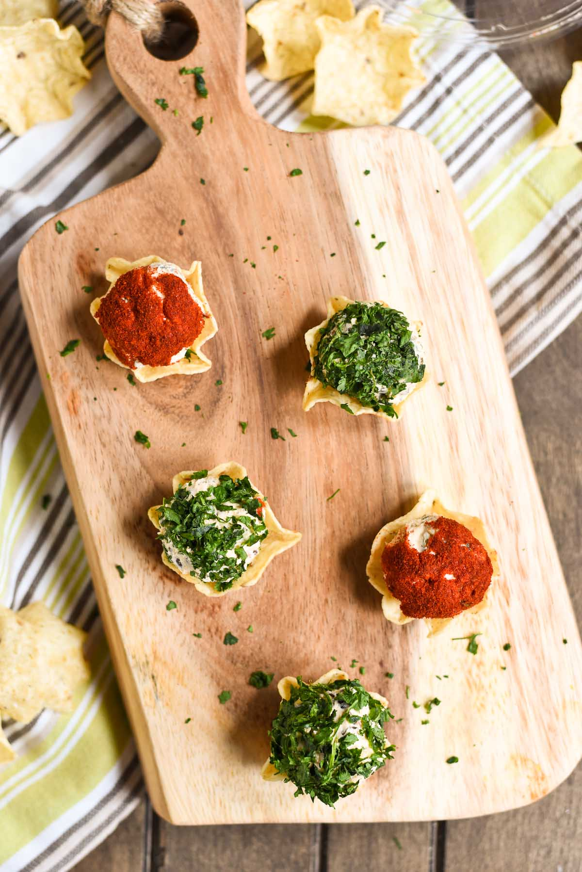 These Spicy Tex Mex Mini Cheese Balls are an easy party appetizer.