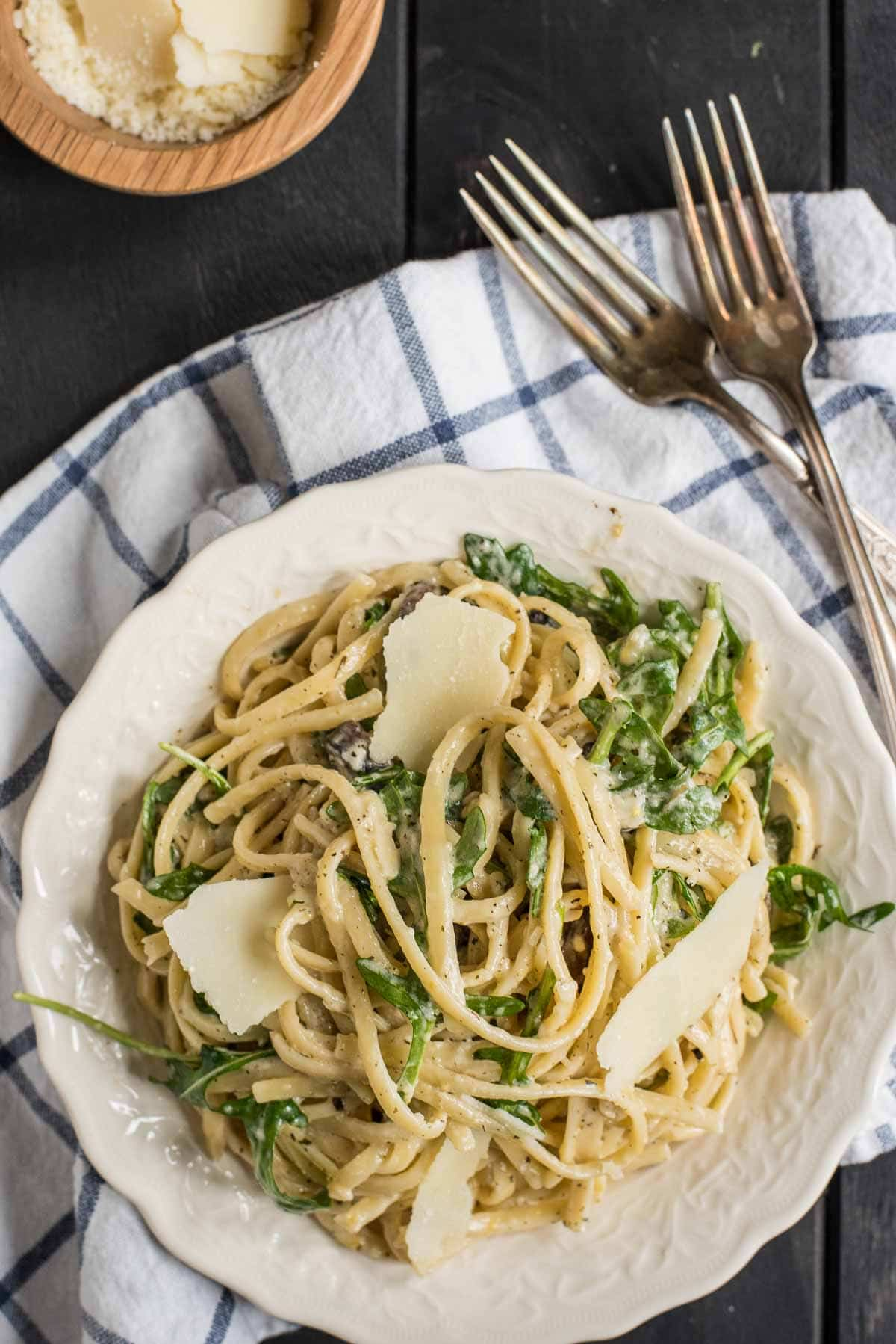 This easy Parmesan Lemon Linguine with Arugula is the perfect quick weeknight meal.