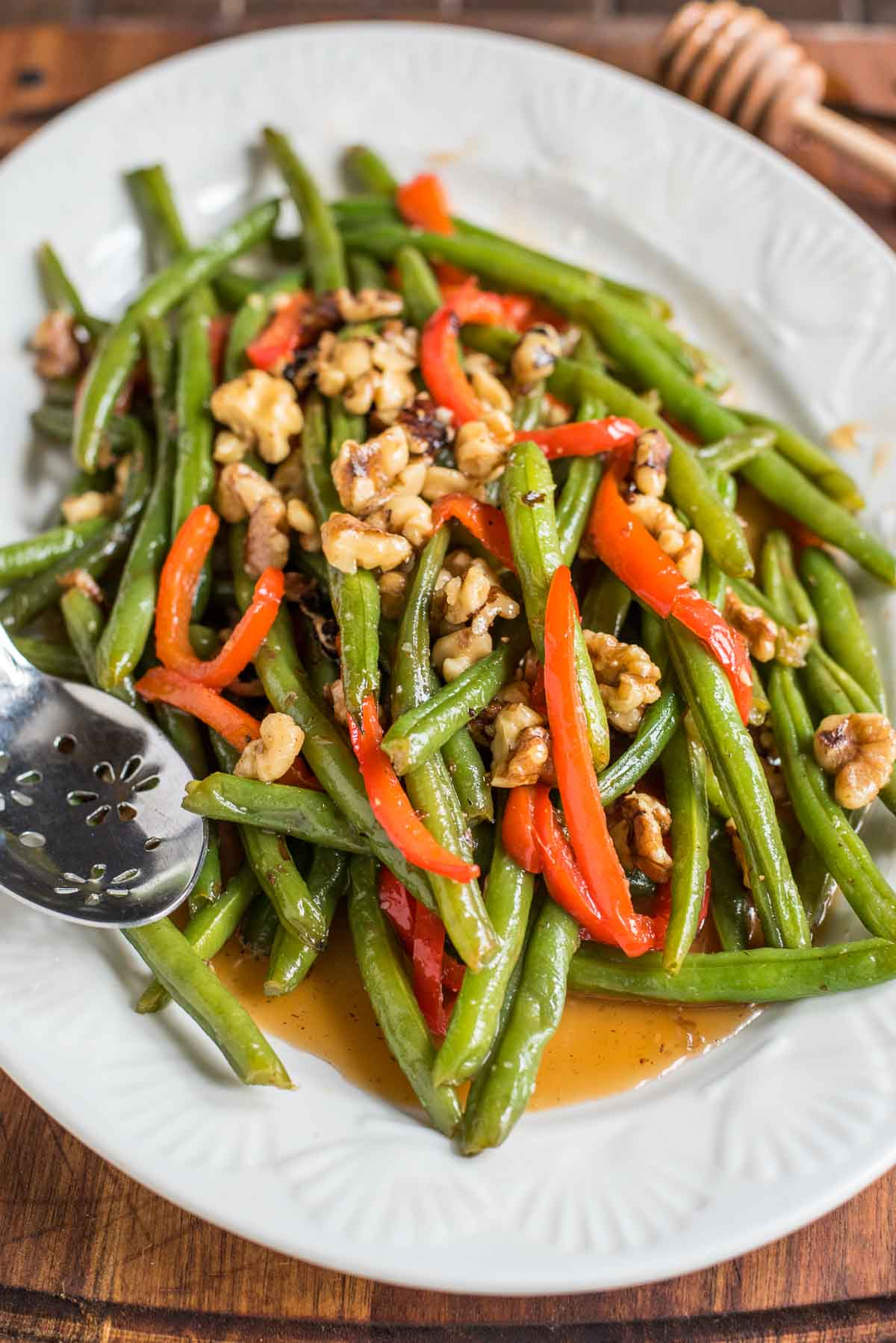 Honey Green Beans with Walnuts