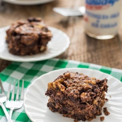 This Oatmeal Chocolate Chip Snack Cake has an irresistible chewy texture that's perfect for an after school treat!