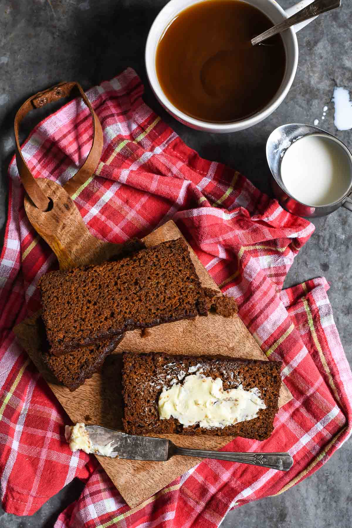 This Banana Ginger Bread combines the best of both worlds with sweet, moist bananas and spiced molasses gingerbread.
