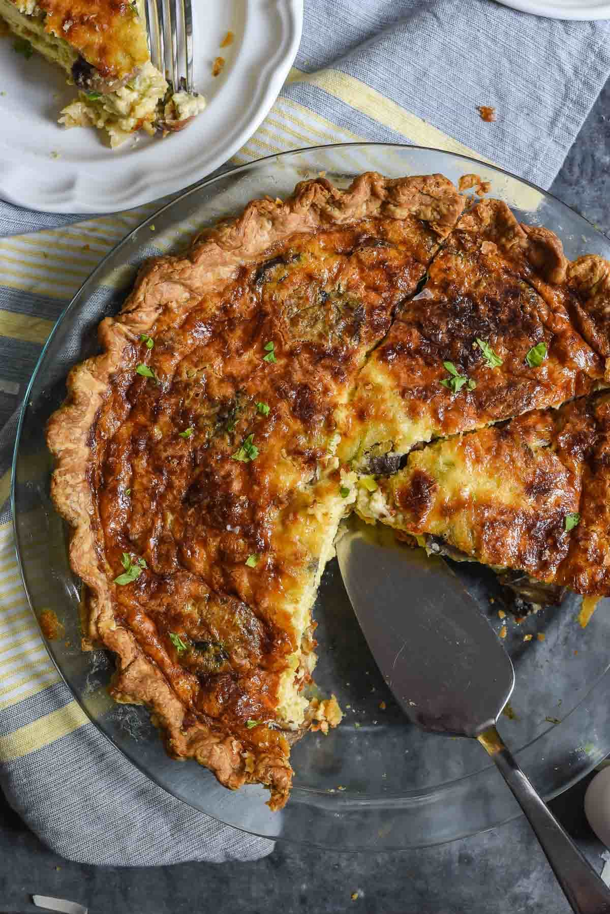 Mushroom and Leek Quiche with Gruyere Cheese is the perfect recipe for all your spring brunches@