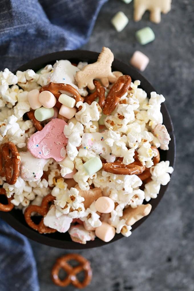 Animal Cookie Snack Mix
