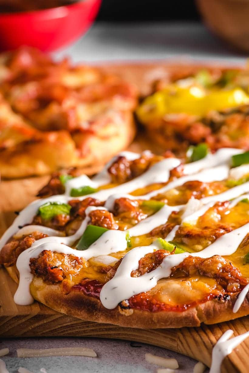 Easy Pita Pizza with BBQ Chicken and ranch sauce
