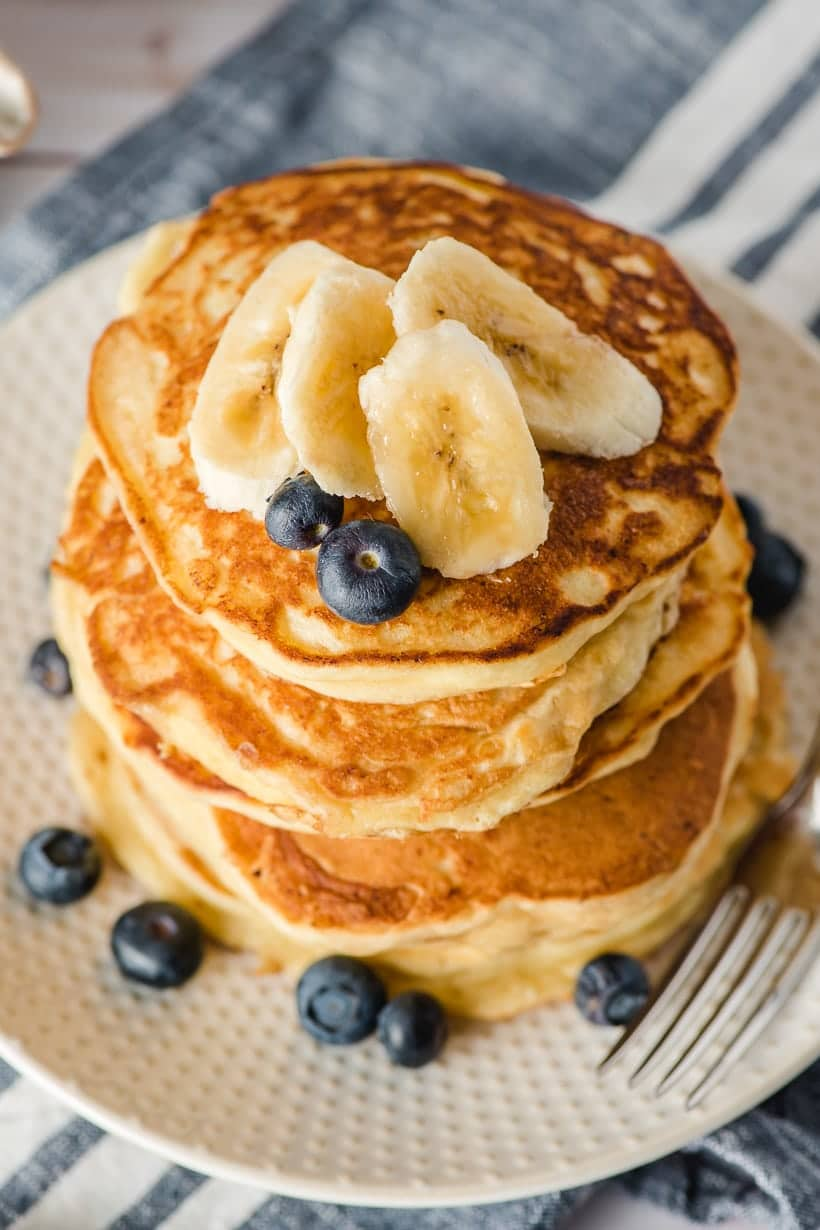 Ricotta pancakes with bananas and blueberries