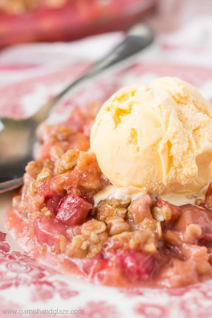 Dessert- Rhubarb Crisp