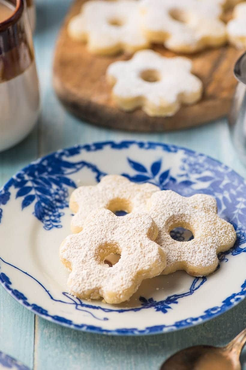 Canestrelli cookies on a blue flowered plate