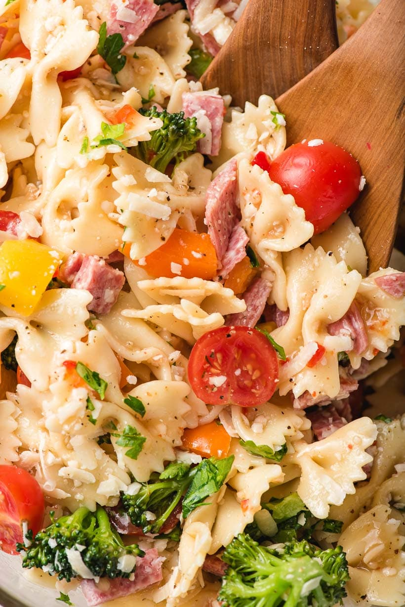 bowtie pasta salad with broccoli, tomatoes, and peppers
